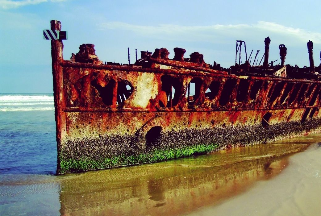 Fraser Island tours shipwreck