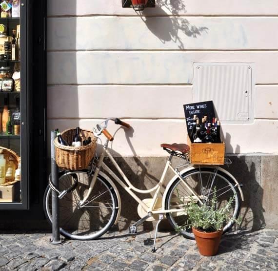Bike at Rome shops