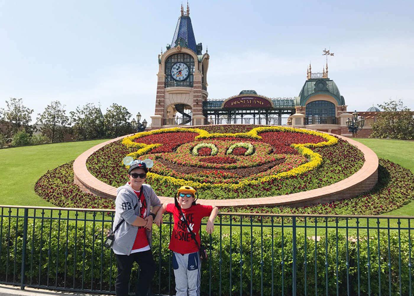 disneyland shanghai entrance