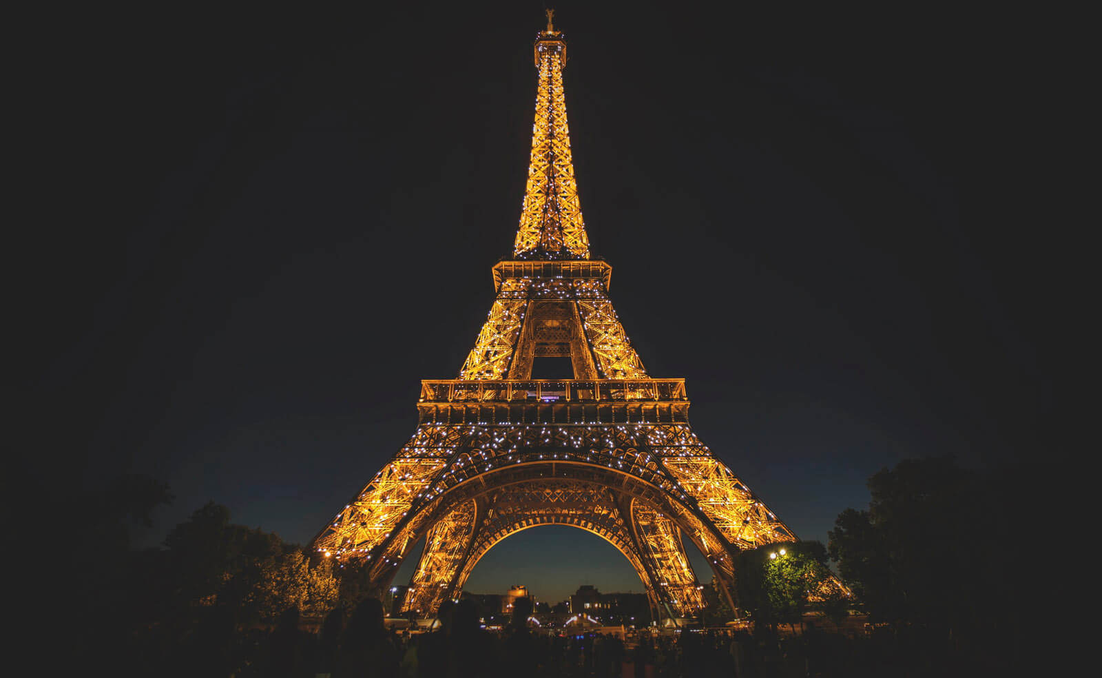 Eiffel Tower by Stephe Leonardi