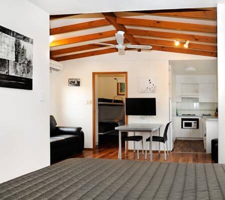 Swan Bay Studio Cabin