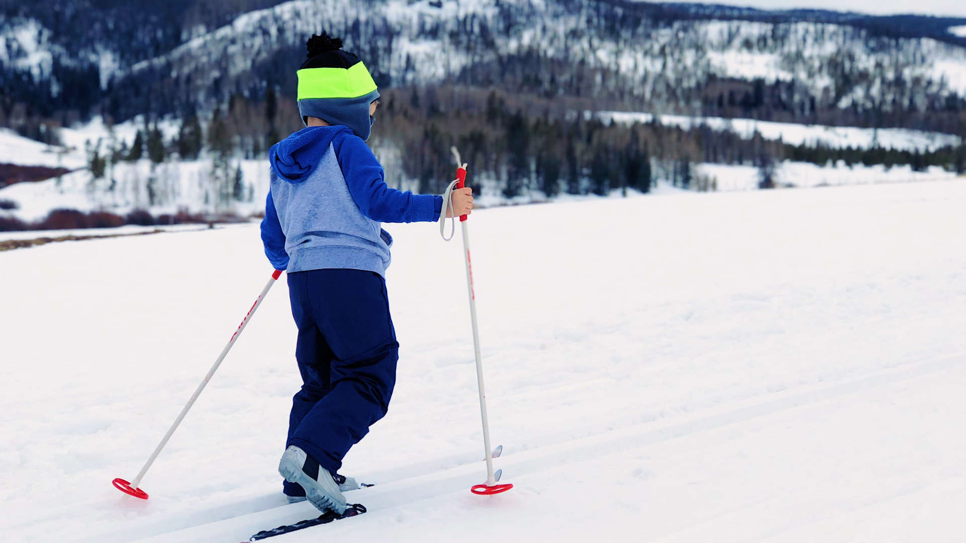 kid skiing snow