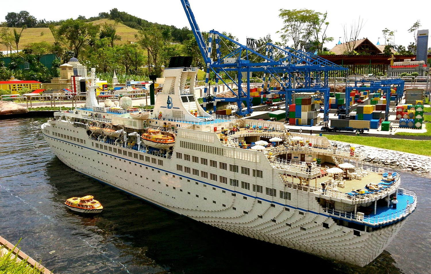 Family guide to visiting LEGOLAND Malaysia - Holidays With ...
