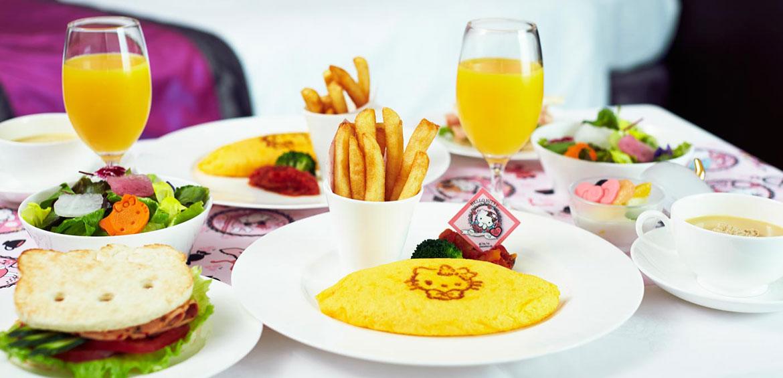 Hello Kitty dining at the Keio Plaza Hotel