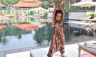 Playing-by-the-pool-at-Sofitel-Singapre-Sentosa-Resort2