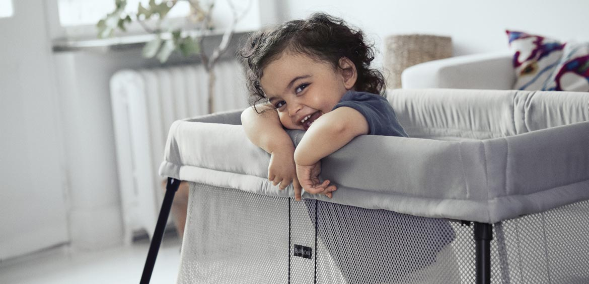 baby cot review babybjorn travel cot