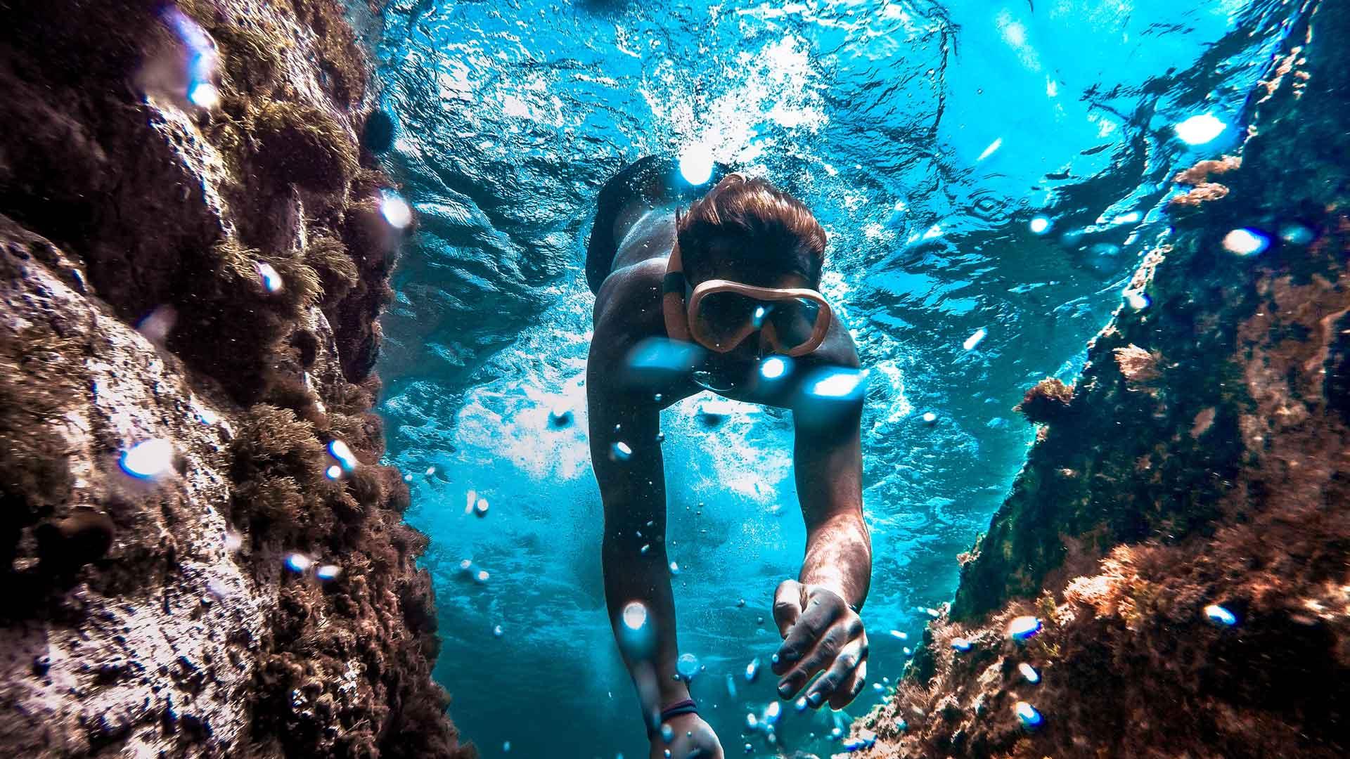 snorkelling diving