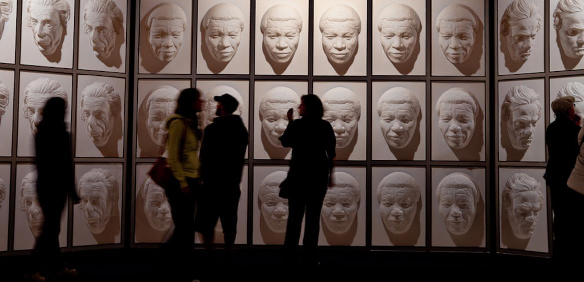 Following faces, Puzzling World