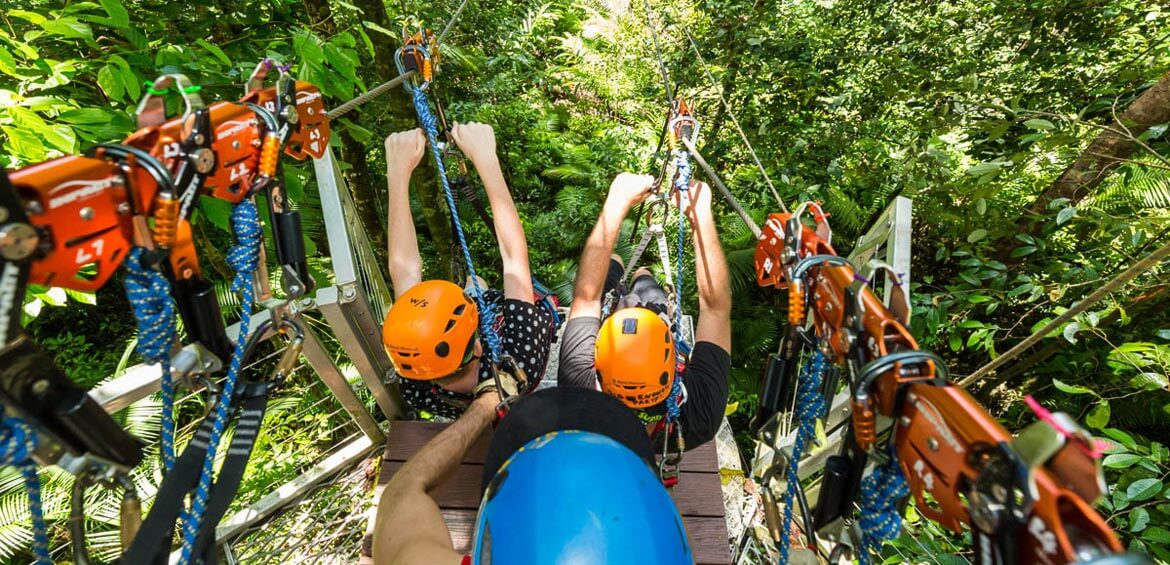 Jumping off at Jungle Surfing Canopy Tours