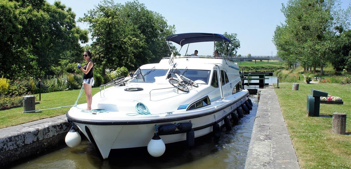 Canal cruising, France with Outdoor Travel