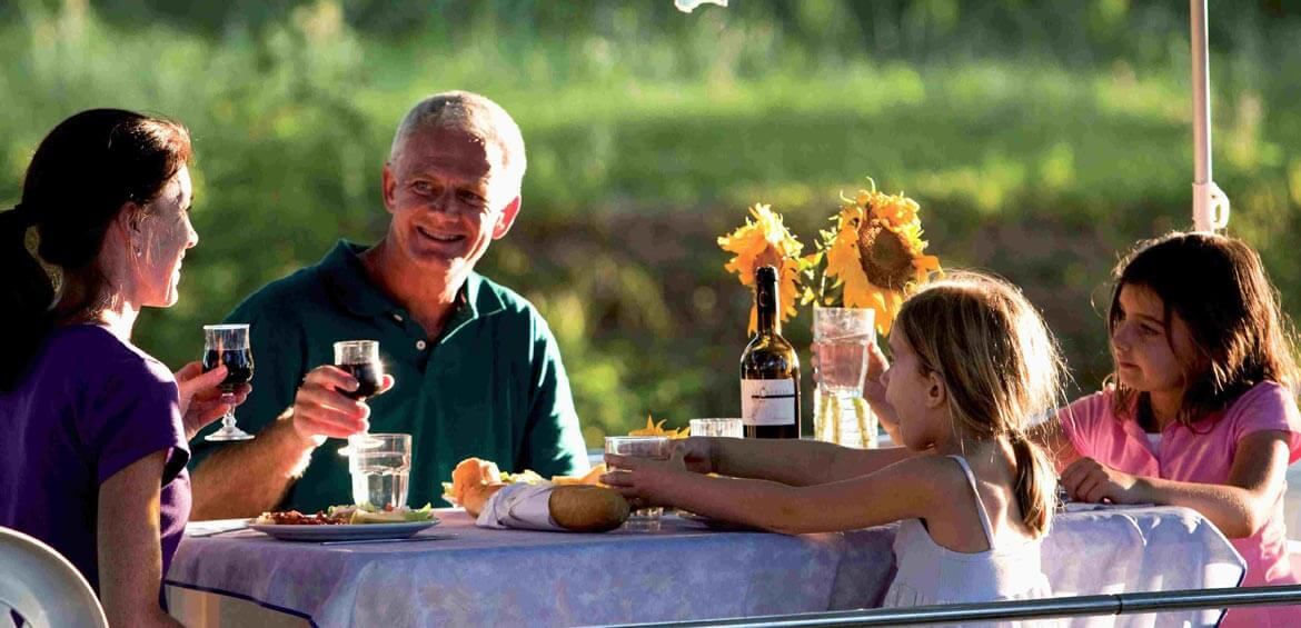 Family dinner with Outdoor Travel