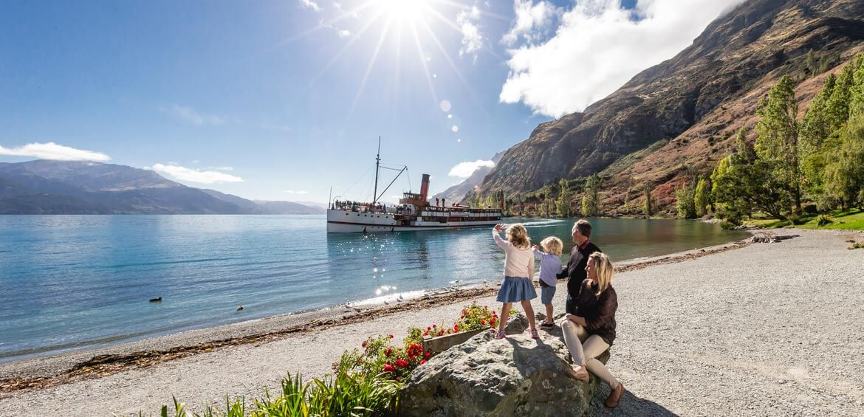 Family on a New Zealand Travel Organiser tour