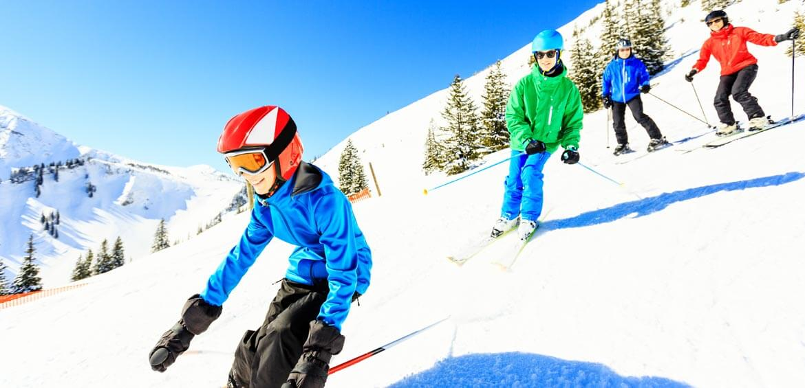 Family skiing time with travel&co.