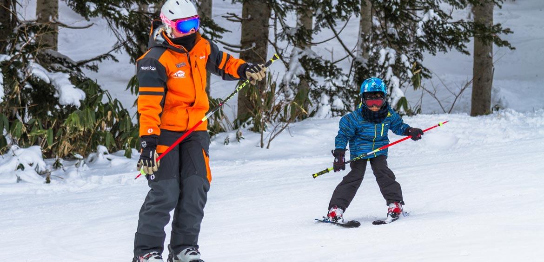 Kids skiing in Japan
