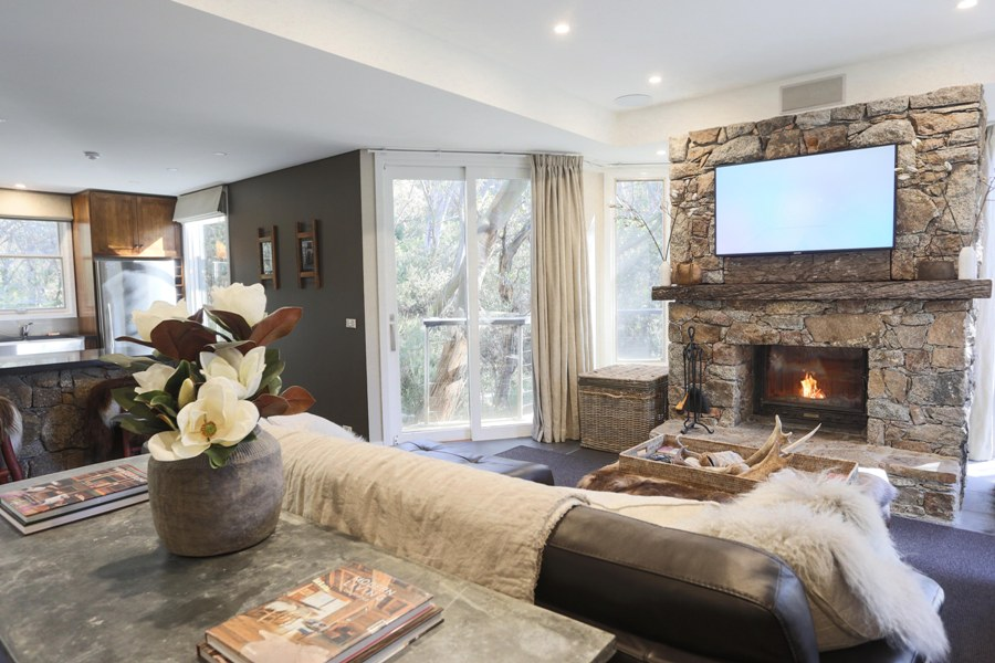 Rockpool Lodge Lounge Snow accommodation