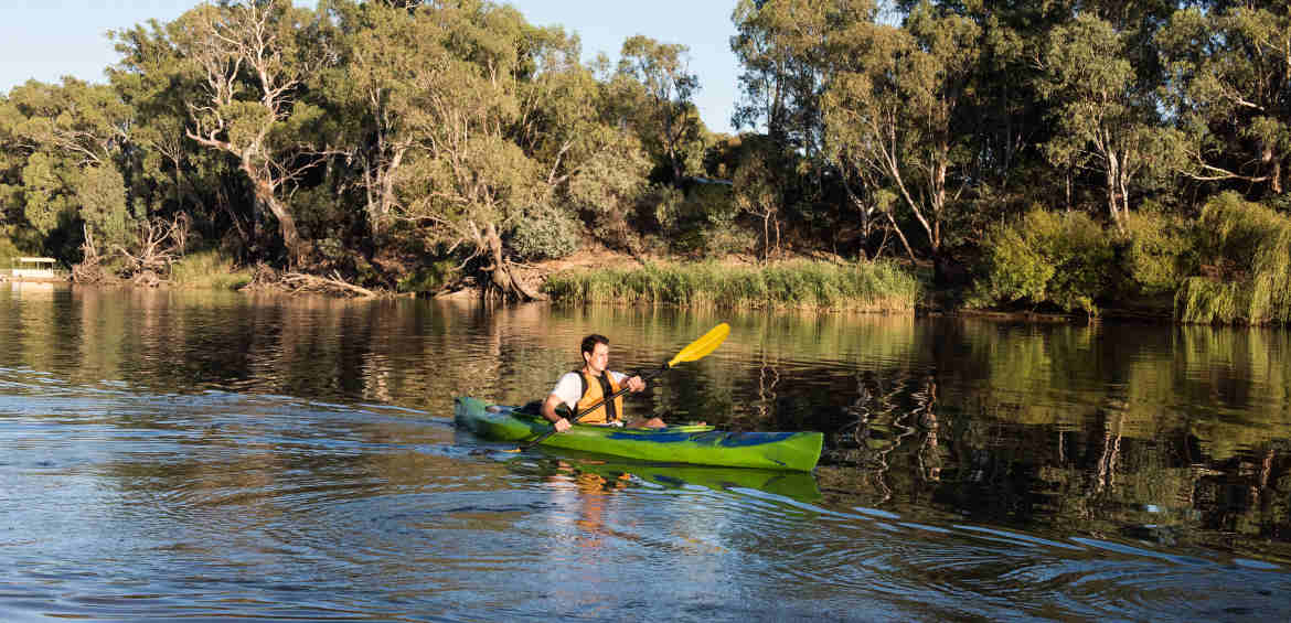 Kayaking on Murray River near Echuca