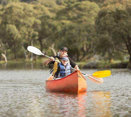 Canoeing at Lake Crackenback Resort & Spa