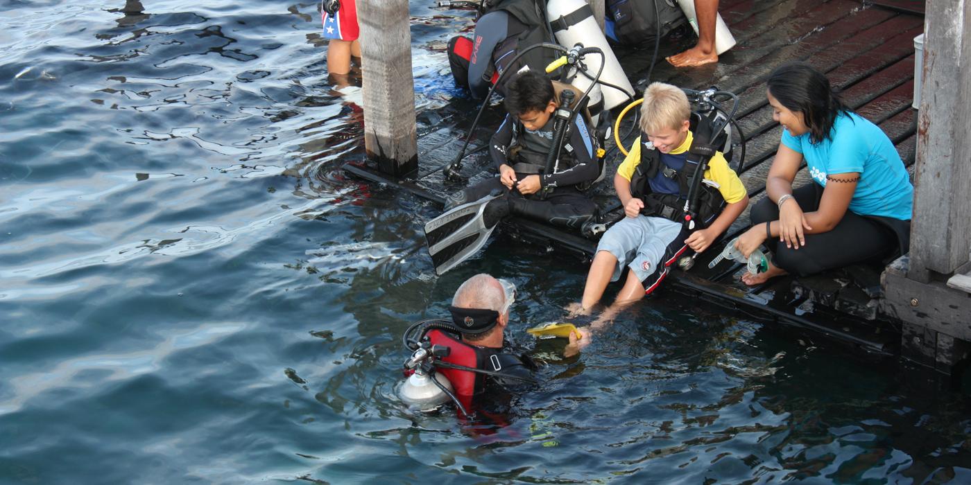 Borneo divers © Sabah Tourism