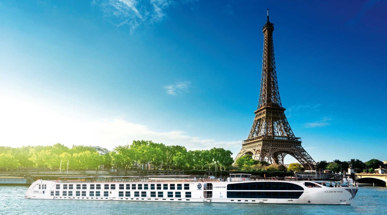 Uniworld's supership, the SS Joie de Vive river cruise