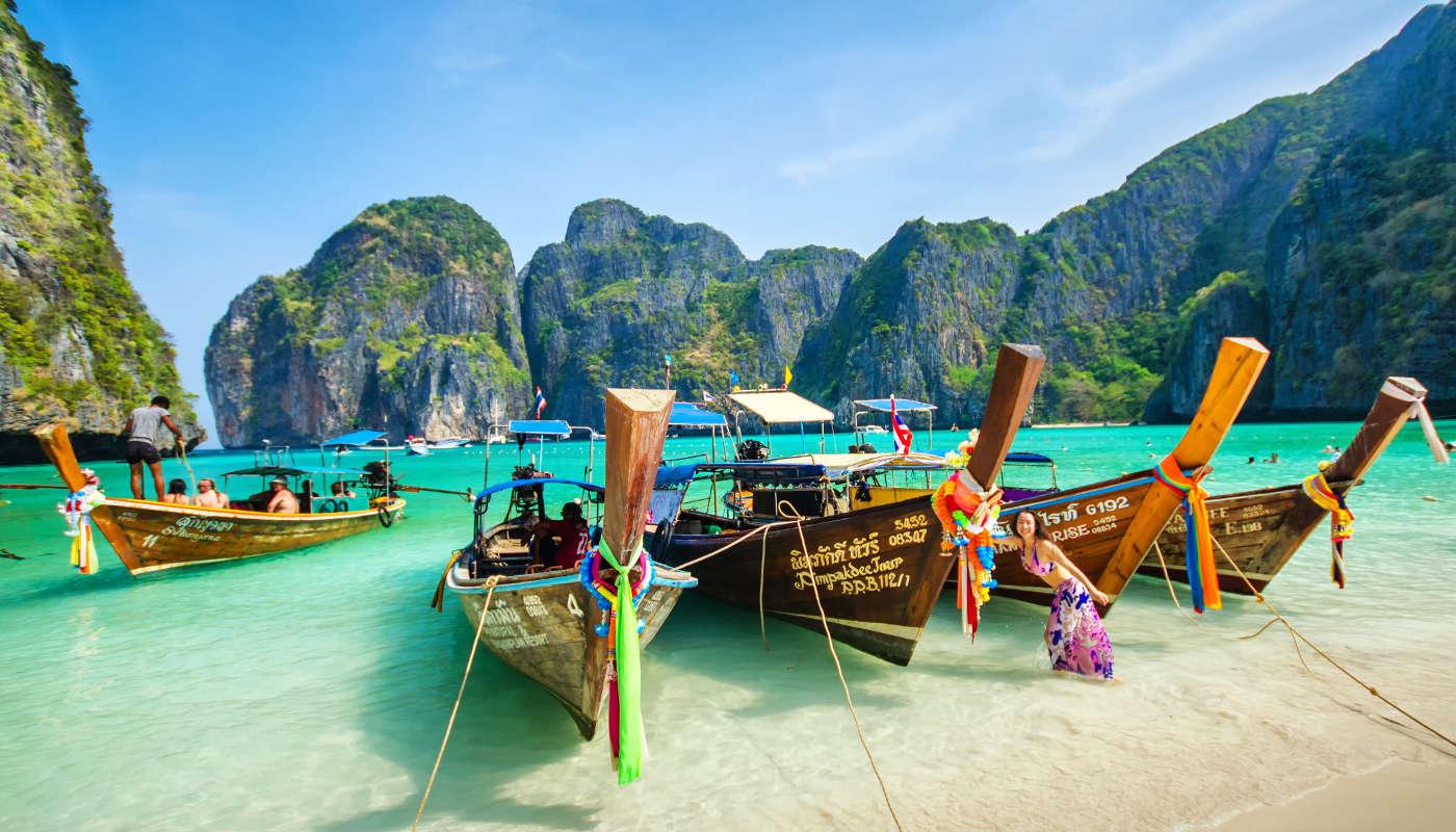 boats in phuket thailand