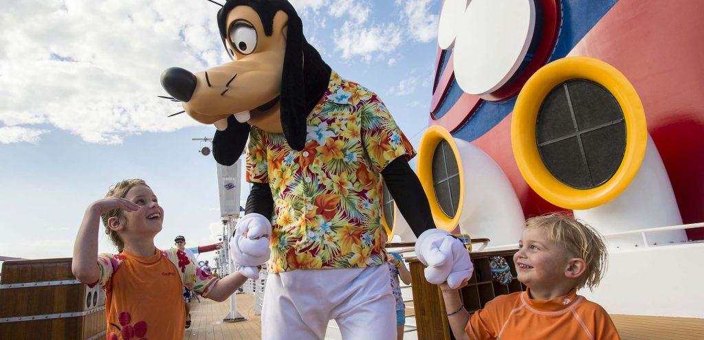 Goofy on Disney Magic © Disney