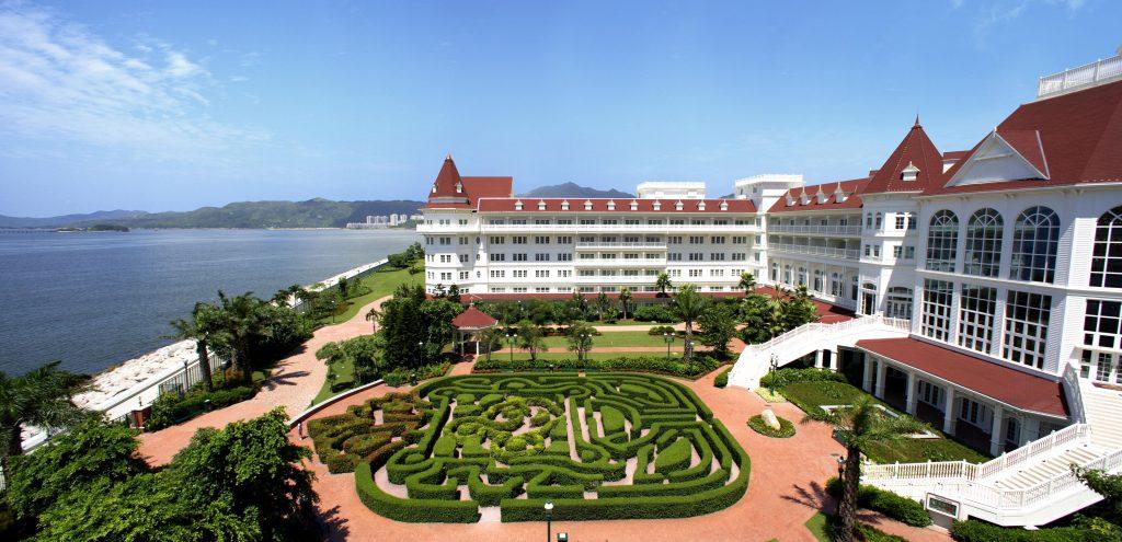 Hong Kong Disneyland Hotel © Disney