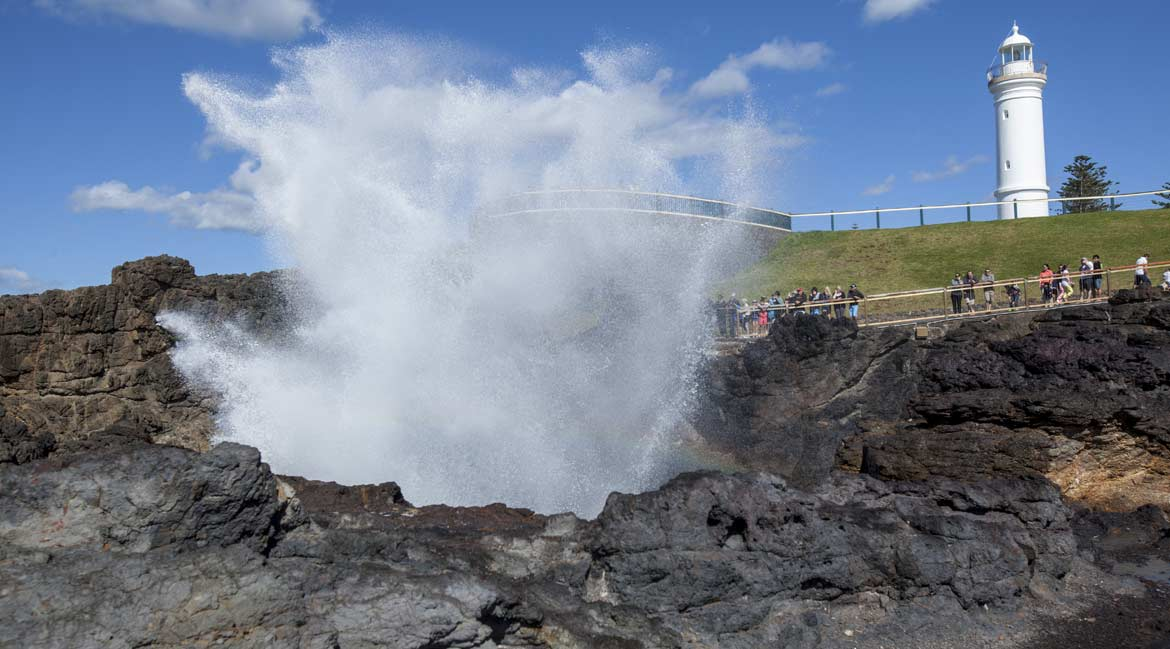 The blowhole and lighthouse in Kiama © Destination NSW; Murray