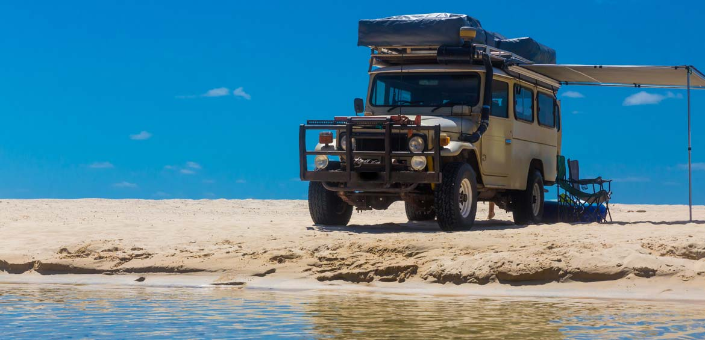 4WD on Fraser Island