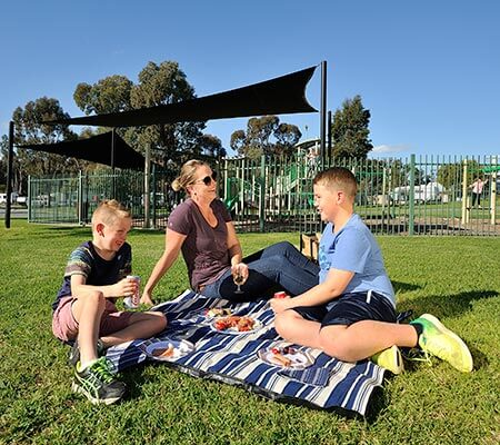Family picnic at NRMA Echuca Holiday Park