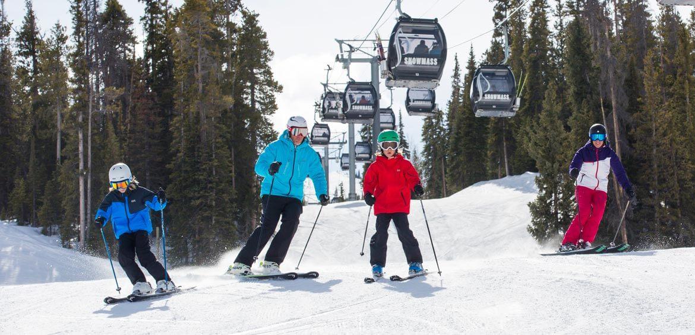 Family ski at Aspen Snowmass