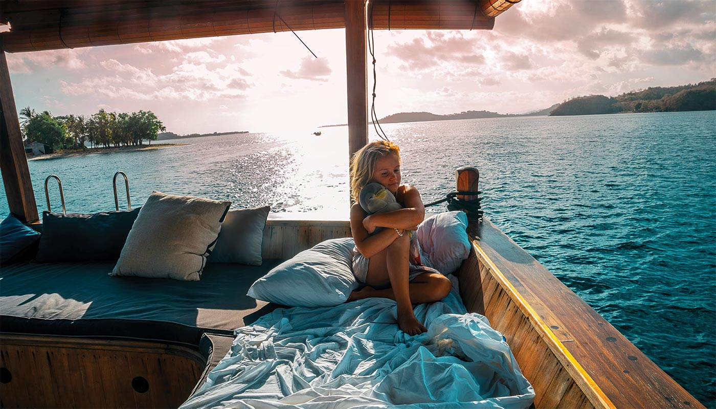 Evie and Emmie sail from Bali to Lombok.