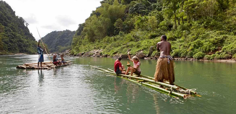 Fiji, raft trip
