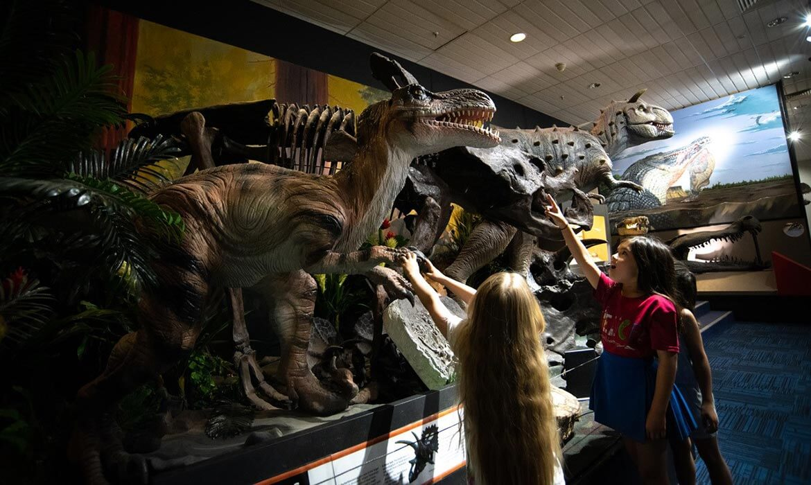 Carno with kids at the National Dinosaur Museum