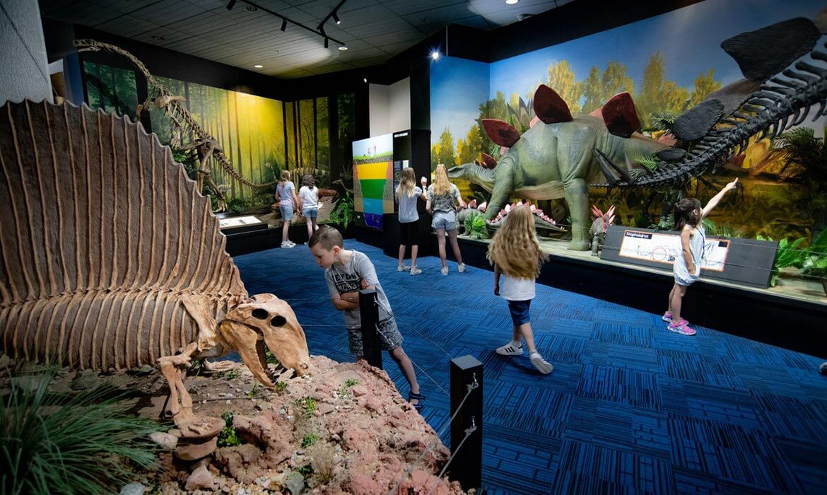 Galleries with kids at National Dinosaur Museum