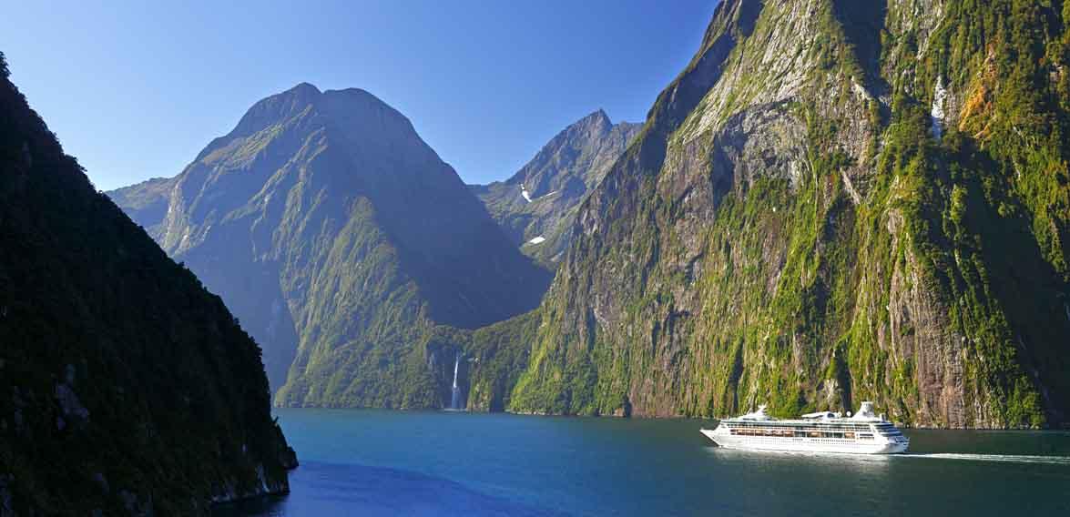 Milford Sound, New Zealand, Christchurch to Lake Wanaka
