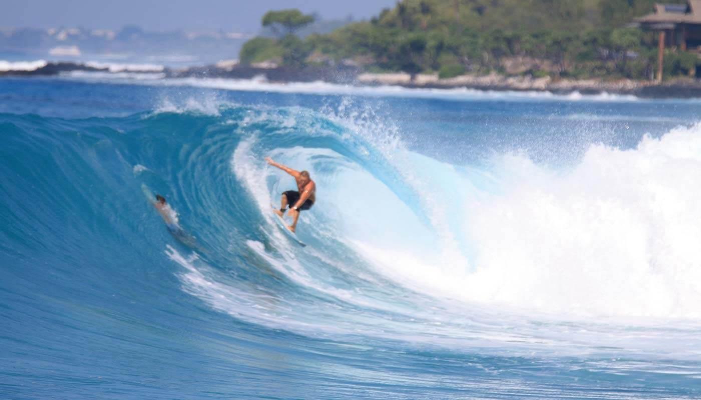 Surf's up on the Big Island © Big Island Visitors Bureau/Kirk Lee Aeder