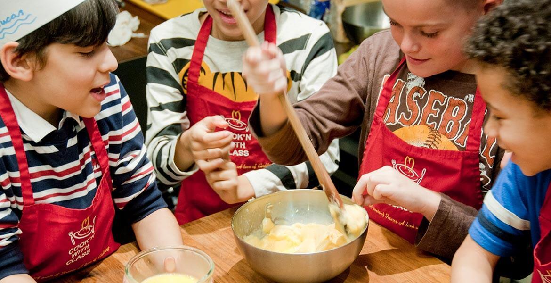 Macaron baking in Paris