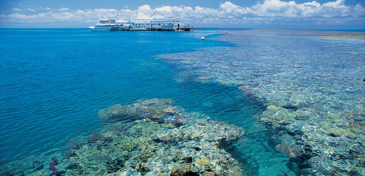 Cruise Whitsundays' Reef Sleep;