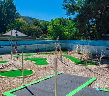 Mini golf at NRMA Bright Holiday Park