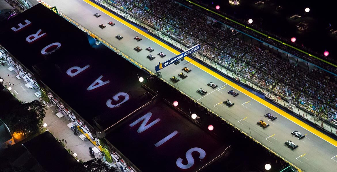 Spectacular view of the start of the Formula 1 Singapore Grand Prix
