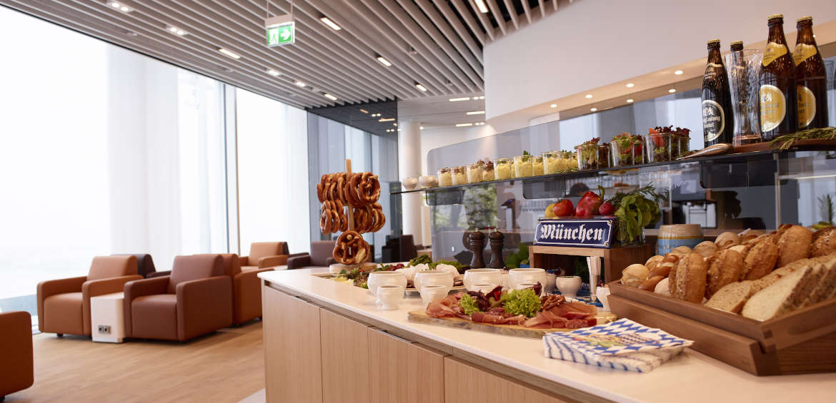 A well-stocked business lounge with Lufthansa ©Gregor Schlaeger/Lufthansa