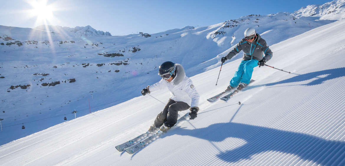 Skiing above the treeline © Cyril Cattin/OT Val Thorens