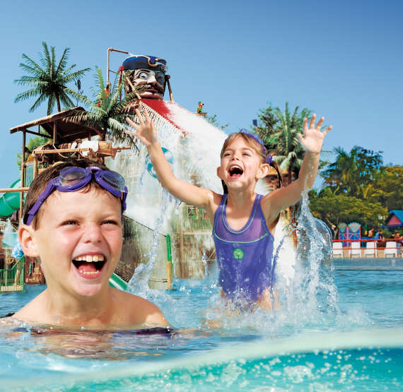 Fun and games in Buccaneer Bay © Wet'n'Wild