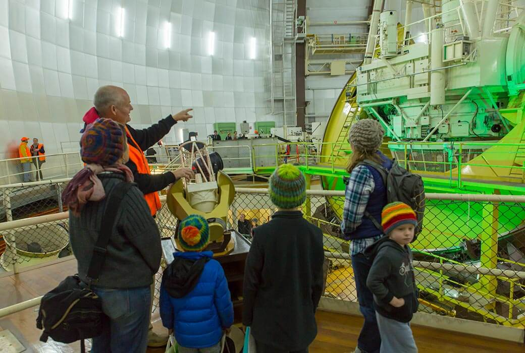 Family tour at Siding Spring Observatory