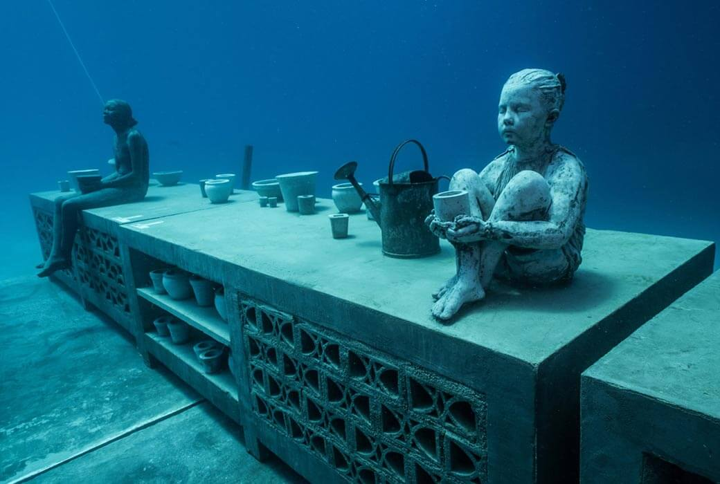 Underwater statues at Museum of Underwater Art