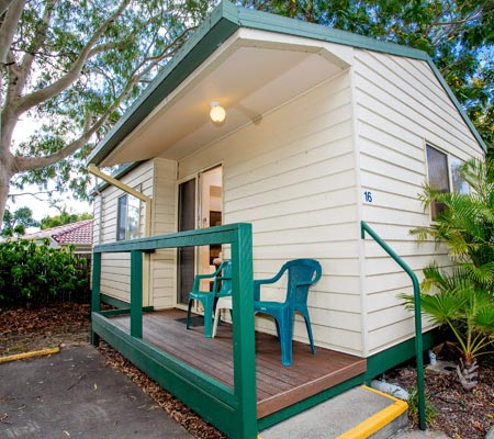 One-bedroom cabin at Hervey Bay Tourist Park