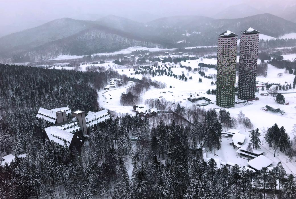 The towers are the heart of the resort Hoshino Resorts TOMAMU