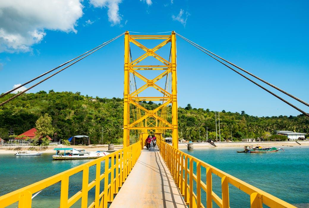Nusa Lembongan yellow bridge