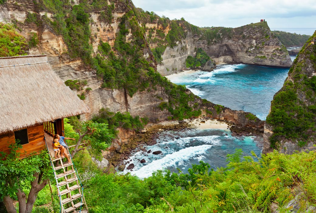 Rumah Poho) is located within the Thousand Island viewpoint.