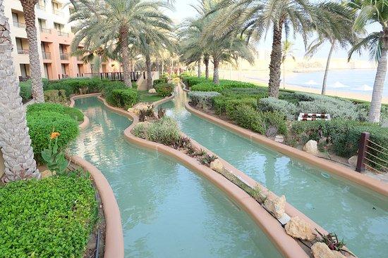 Barr Al Jissah, Oman hotels with a lazy river